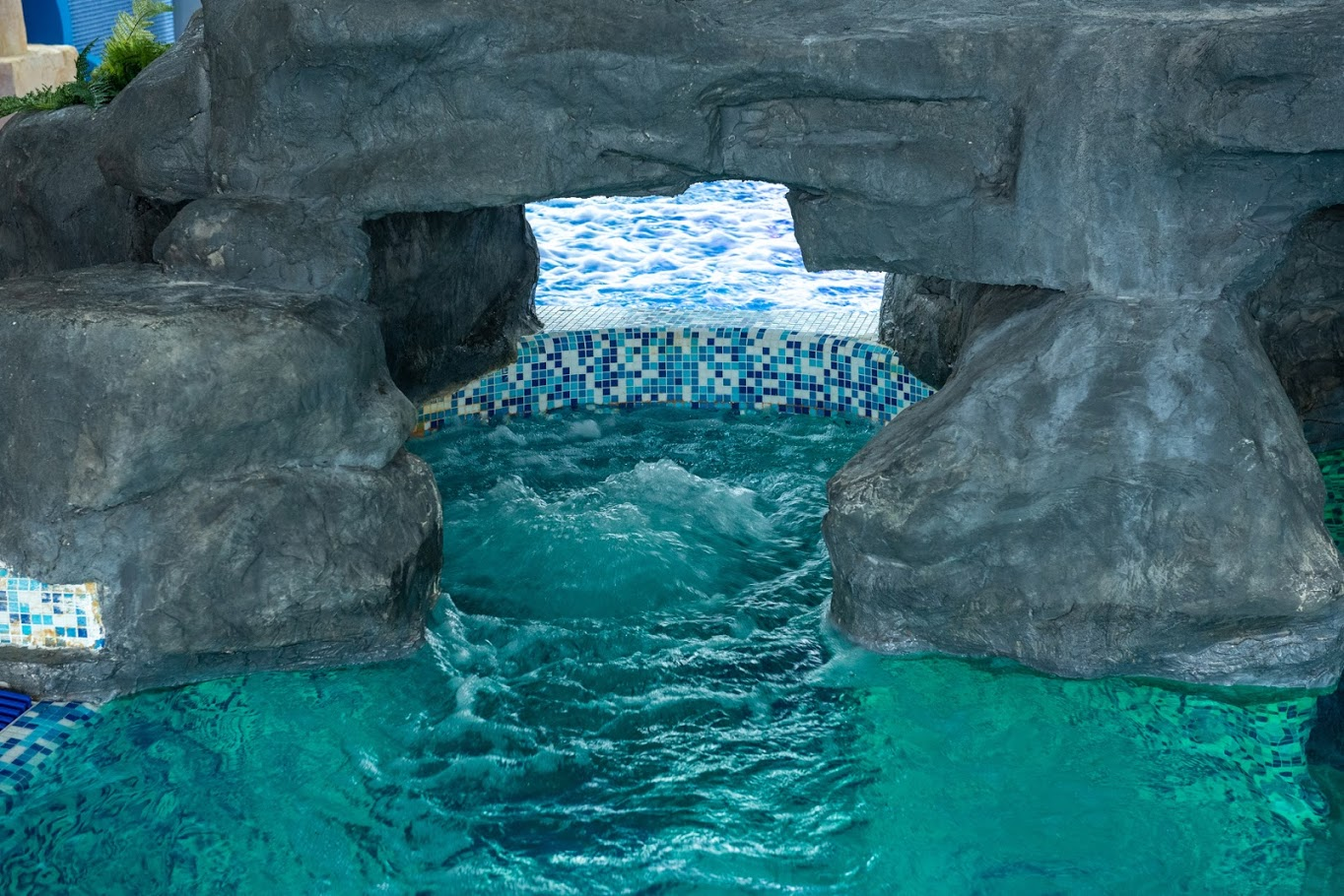 Vodeni masazer u bazenu